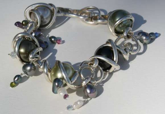 "Shades of Grey Twists and Turns bracelet, adjustable from8.5"", $$200.0000"